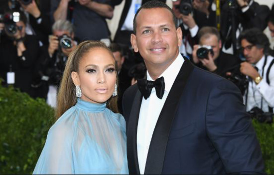 jennifer-lopez-sexy-singer-shocking-marriage-ring-